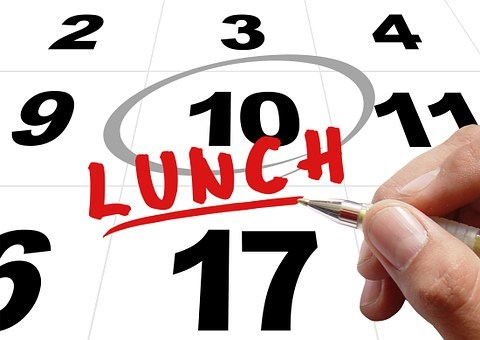 lunch time-481448__340.jpg