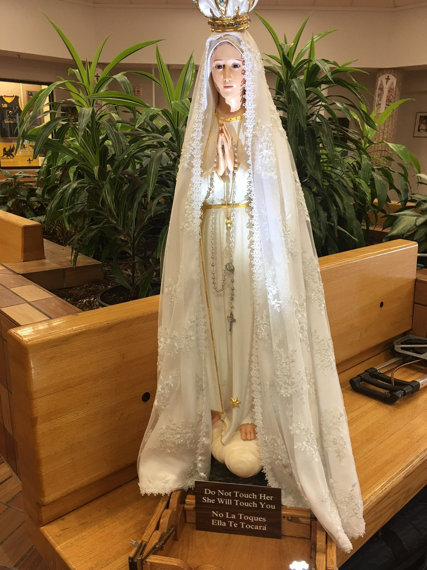 Our%20Lady%20of%20Fatima%20Statue.JPG